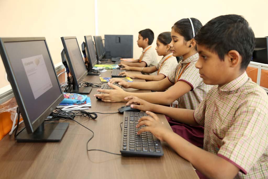 advaita school of excellence parbhani